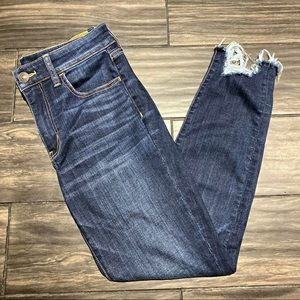 American Eagle 💌 Destroyed Cuff Skinny Jeans